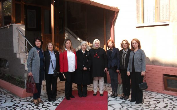 TEMAD Kadınlar Kolu Vali Yazıcı'nın eşi Hanife YAZICI ve Komutanların eşileri ile orduevinde buluştu.